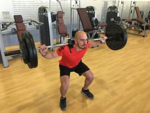 Javier Salas entrenando fuerza máxima en sentadilla libre