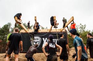 Obstáculo Beasty Balance de Xletix