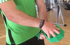 Javier Salas ejercicio de agarre y fuerza de dedos carreras de obstáculos