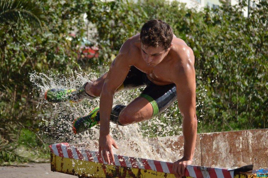 Jorge Rey Mota entrenador personal en la carrera de obstáculos Bestial Race