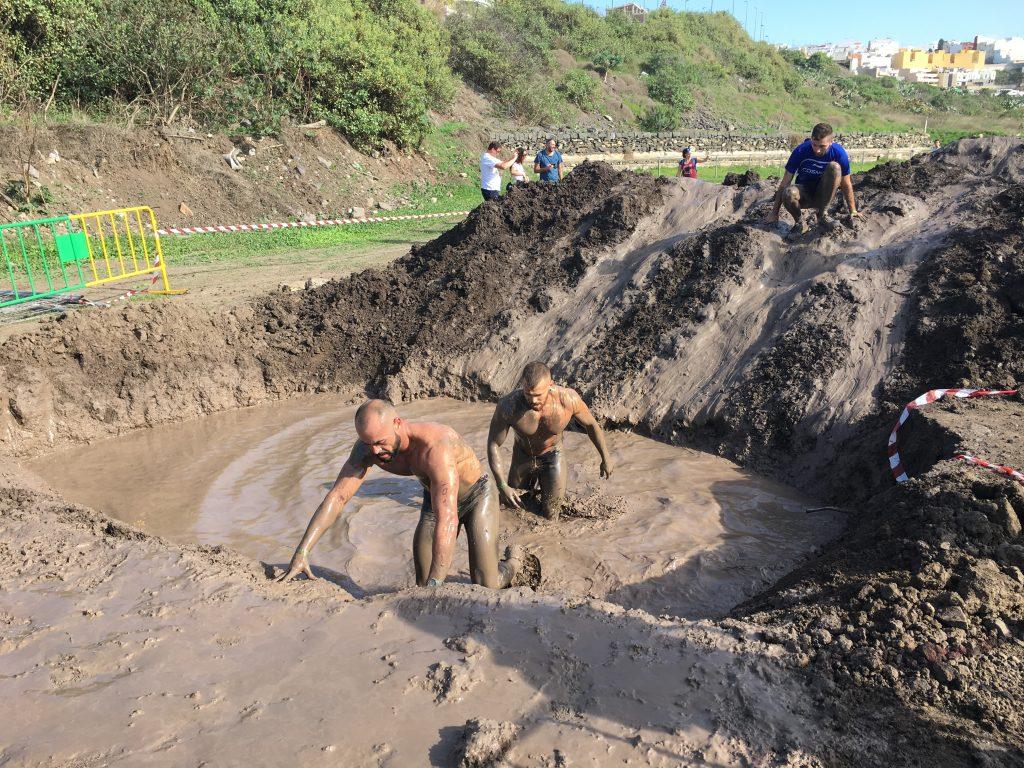 Jorge Rey Mota y Vicente Clemente, entrenadores de carreras de obstáculos compiten en la Bestial Race